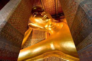 лежащий будда
