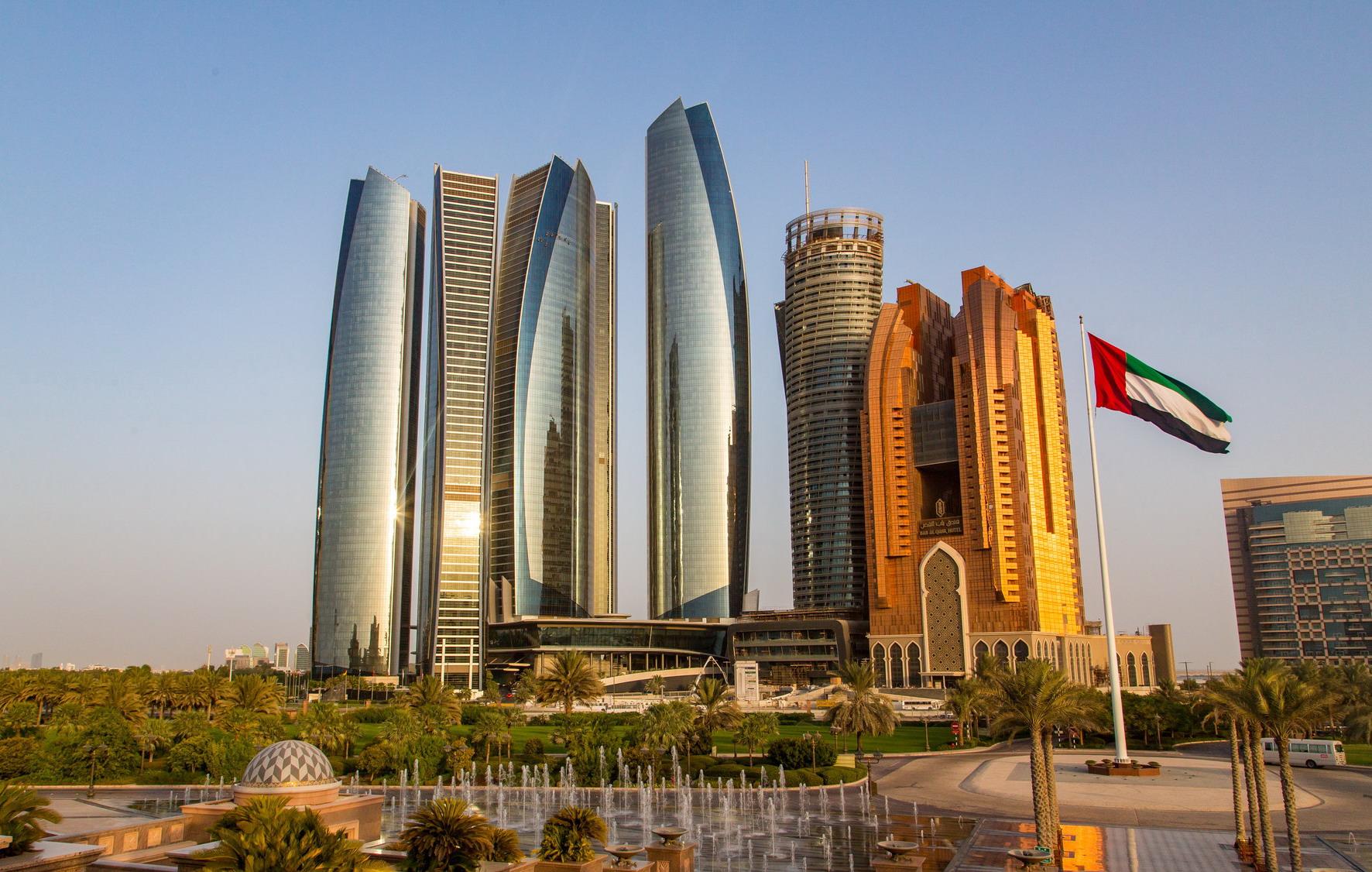 Эмират Абу-Даби с сегодняшнего дня вновь открылся для иностранных туристов